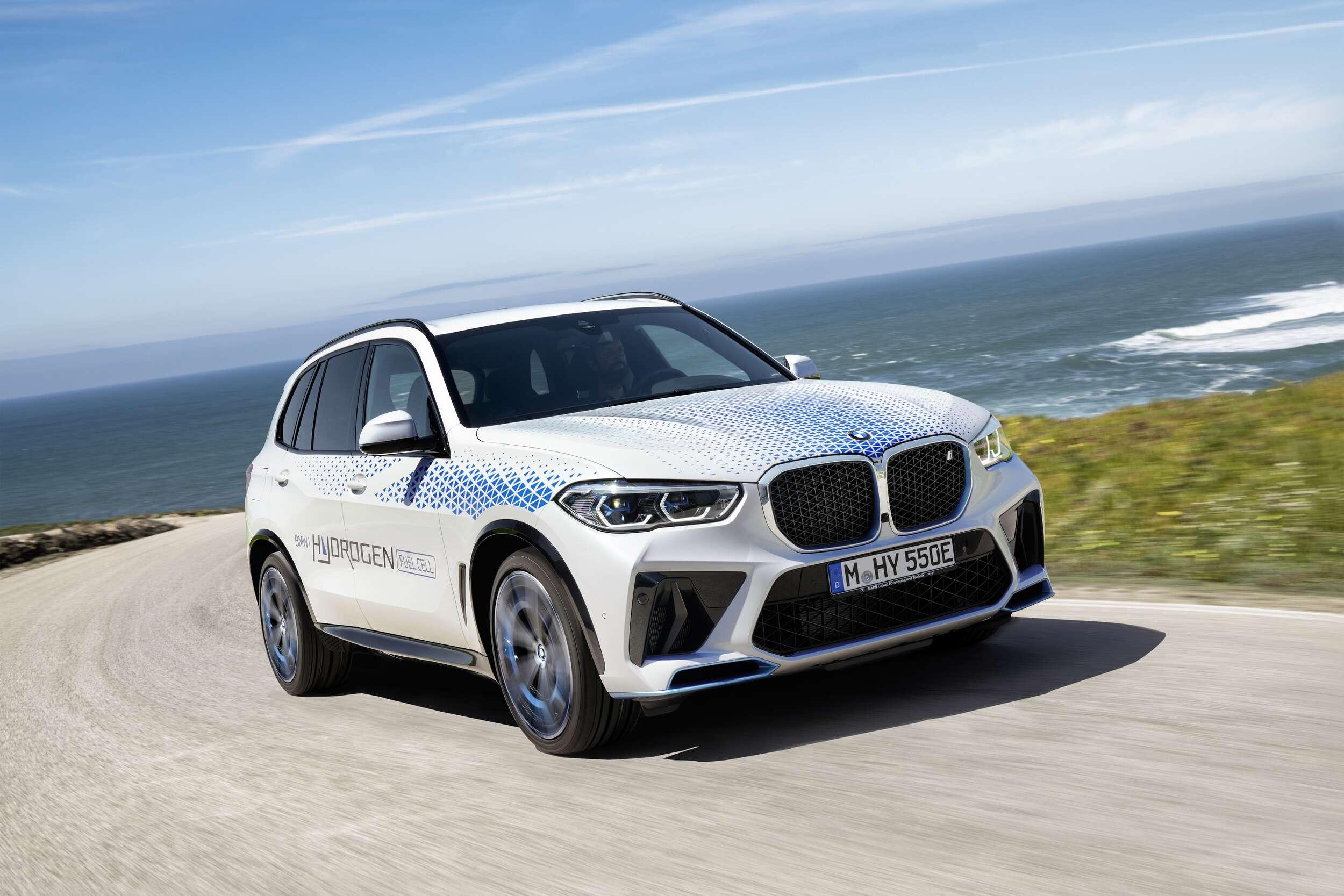 BMW iX5 Hydrogen en acción