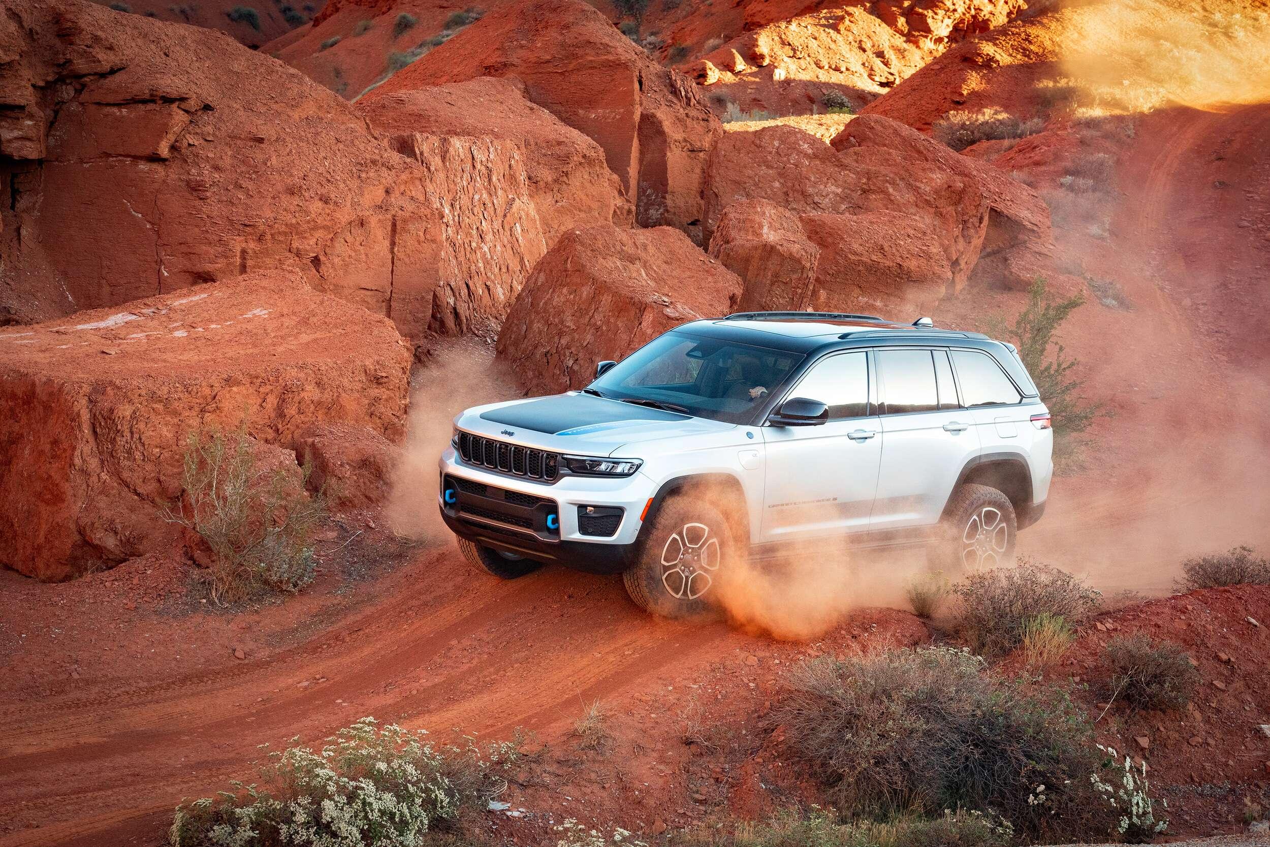 Jeep Grand Cherokee 2022, nueva, novedosa, lujosa e híbrida.